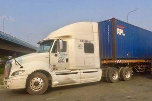 TP HCM: Cán chết người, tài xế xe container bỏ chạy