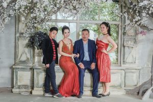 Mai Thu Huyền khoe ảnh đại gia đình hạnh phúc trong những ngày đầu năm mới
