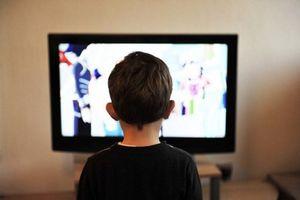 Biện pháp giúp con không 'nghiện' xem ti vi