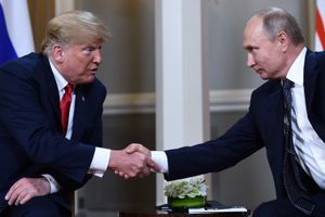 Tin ảnh: Ông Trump khẳng định không 'bắt tay' với Nga