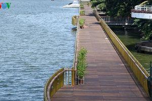 Đưa vào hoạt động tuyến đường đi bộ lát gỗ lim ven sông Hương
