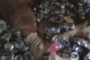 Căn hộ như bãi rác sau khi người thuê dọn đi được chia sẻ, dân mạng phát hiện 1 bất ngờ