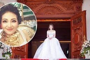 Choáng ngợp với đám cưới siêu khủng 200 cây vàng của cô dâu Nam Định