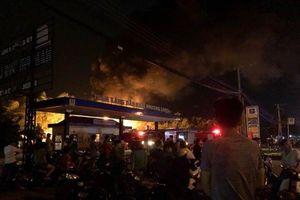 Đã khống chế được đám cháy lớn cây xăng trên quốc lộ tại tỉnh Đồng Nai