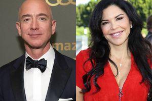 Tỷ phú Jeff Bezos vẫn bên người tình sau sandal lộ tin nhắn tình cảm
