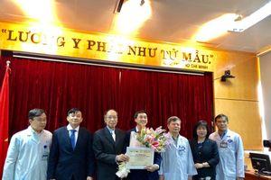 Chủ nhân Giải nhất Nhân tài đất Việt trao 200 triệu giải thưởng cho bệnh nhân, người nghèo