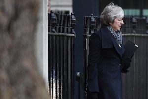 Thủ tướng Anh Theresa May thất cử nặng nề