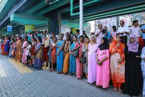 Phía sau sự kiện hàng triệu phụ nữ Ấn Độ tạo bức tường sống