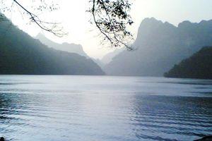 Hồ Ba Bể Bắc Kạn: Chung một dòng sông
