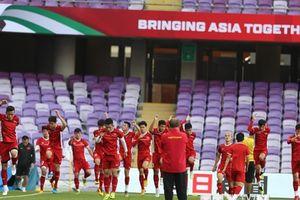Hình ảnh đội tuyển Việt Nam chuẩn bị cho trận đấu quyết định gặp Yemen