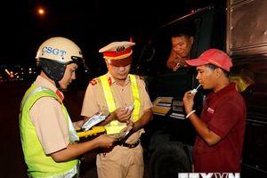 Kiểm tra đột xuất, hàng chục lái xe tải ở TP.HCM vi phạm nồng độ cồn
