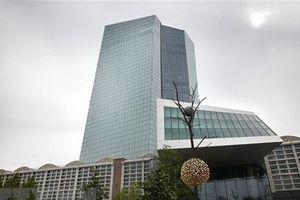 Chủ tịch ECB cảnh báo kinh tế Eurozone có thể 'yếu hơn dự kiến'