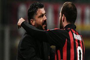HLV AC Milan phủ nhận việc Higuain muốn sang Chelsea