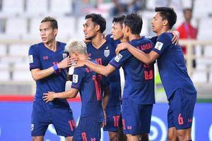 HLV Thái Lan 'nổ tung trời' sau khi độ nhà vào vòng 1/8 Asian Cup 2018