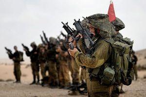 Israel trực tiếp can thiệp vào Syria, cung cấp vũ khí và không kích yểm trợ 'quân nổi dậy'