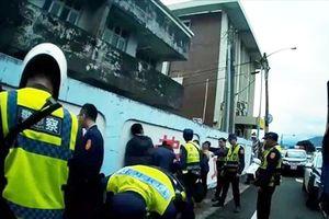 Đài Loan bắt giữ 11 lao động Việt trốn trong xe tải chở hàng