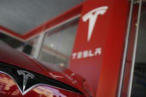 Tesla vươn lên mạnh mẽ sau 'năm địa ngục' 2018