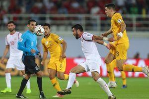 Thất thủ trước Úc, Syria hai tay dâng vé vào vòng 1/8 cho Việt Nam