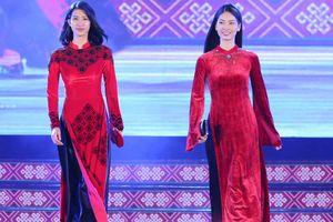 'Làng phố' bắt mắt tại lễ hội văn hóa thổ cẩm Việt Nam
