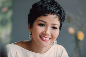 Bất ngờ với thân thế bạn trai hơn 3 tuổi của Hoa hậu H'Hen Niê, 'ăn đứt' các đại gia ở điểm này