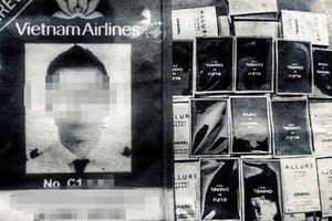 HOT: Cơ trưởng Vietnam Airlines có hành vi buôn lậu nước hoa bị bắt tại sân bay Tân Sơn Nhất