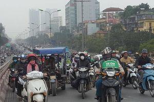 Cuối năm, đường phố Hà Nội thêm ùn tắc nghiêm trọng