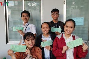 Tặng hơn 3.000 vé xe Tết cho sinh viên nghèo