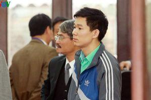 Bị cáo Hoàng Công Lương giữ quyền im lặng với chính luật sư của mình