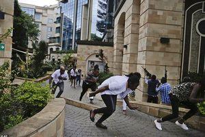 An ninh Kenya tiêu diệt 4 tay súng tấn công tổ hợp khách sạn