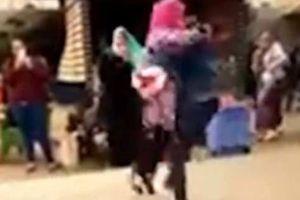 Nữ sinh bị đuổi học vì được cầu hôn trong sân trường