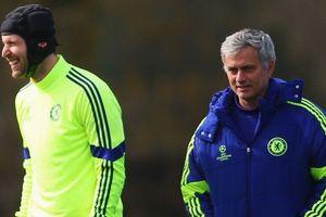 HLV Mourinho lớn tiếng ca ngợi vị thần 'gác đền' hàng đầu thế giới