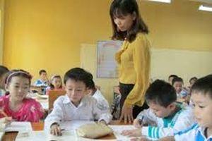 Chăm lo Tết cho nhà giáo có hoàn cảnh khó khăn