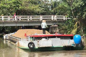 Xin xây tặng cây cầu 7,3 tỉ nhưng… vướng 2 hộ dân