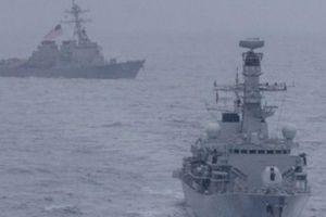 Tàu chiến Mỹ và Anh lần đầu tập trận chung ở Biển Đông, thách thức TQ