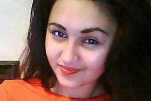 Khiêu khích 'bà cả', 'bồ nhí' tuổi teen bị trừng phạt không thương tiếc