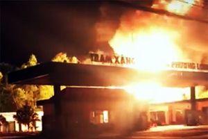 Đồng Nai: Xác định nguyên nhân trạm xăng dầu bốc cháy dữ dội trong đêm