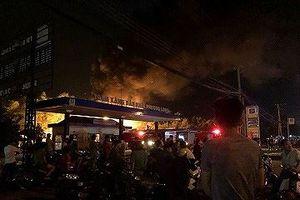 Hé lộ nguyên nhân trạm trạm xăng bốc cháy, nổ dữ dội trong đêm