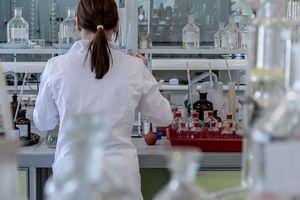 Nga tố Mỹ lập phòng thí nghiệm sinh học trên toàn cầu