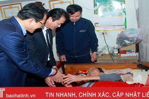 Gần 1,5 tỷ đồng tặng quà đối tượng bảo trợ xã hội đặc biệt khó khăn Hà Tĩnh