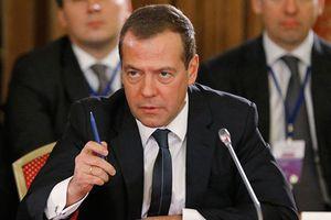 Thủ tướng Medvedev nói thẳng lý do Nga quay lưng với đô la Mỹ