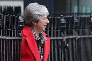 'Sóng gió' chưa buông tha Thủ tướng Anh Theresa May