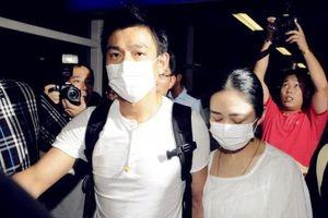 Lưu Đức Hoa bí mật quay lại đóng phim sau khi khỏi bệnh, Chu Lệ Thanh đích thân mang cơm canh bồi dưỡng cho chồng