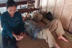 Số phận bi thương của người phụ nữ nuôi 4 con bị bệnh Down và người chồng bệnh tật