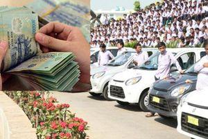 Doanh nghiệp chi thưởng Tết khủng: Người nhận 900 triệu đồng, người rinh về ô tô 4 chỗ