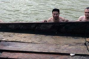 Quảng Nam: Bắt giữ số lượng lớn gỗ lậu trên sông Vu Gia