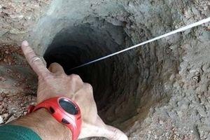 Bé trai Tây Ban Nha rơi xuống hố sâu hơn 100m
