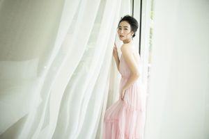 Vẻ đẹp tinh khôi, nữ tính của Á hậu Hà Thu trong bộ ảnh đầu năm 2019