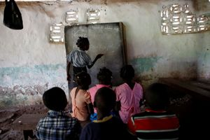Cận cảnh cuộc sống ở ngôi làng biệt lập và bị lãng quên ở Haiti