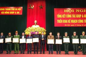 Khen thưởng 47 tập thể, cá nhân trong công tác giáo dục quốc phòng và an ninh