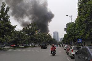 Hà Nội: Cháy lớn tại quán ăn trên phố Nguyễn Văn Huyên